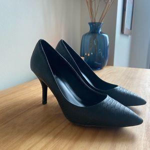 Black Snake Print Aldo kitten-ish heels